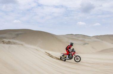 Рали Дакар 2019: Бареда с Honda води след втория етап