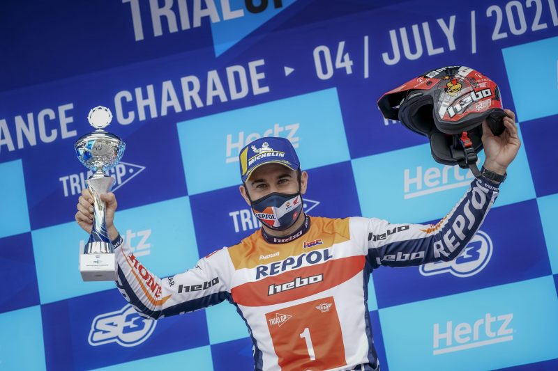 Тони Боу триумфира във Франция